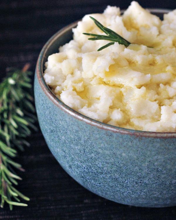 roasted-garlic-mashed-potatoes-spabettie