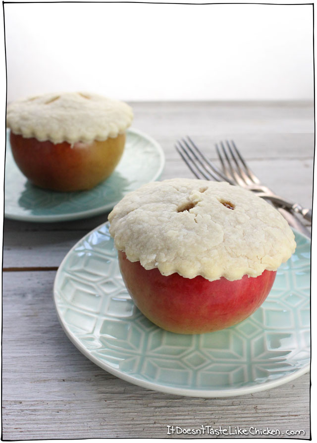 mini-apple-pies-baked-in-an-apple-vegan-recipe