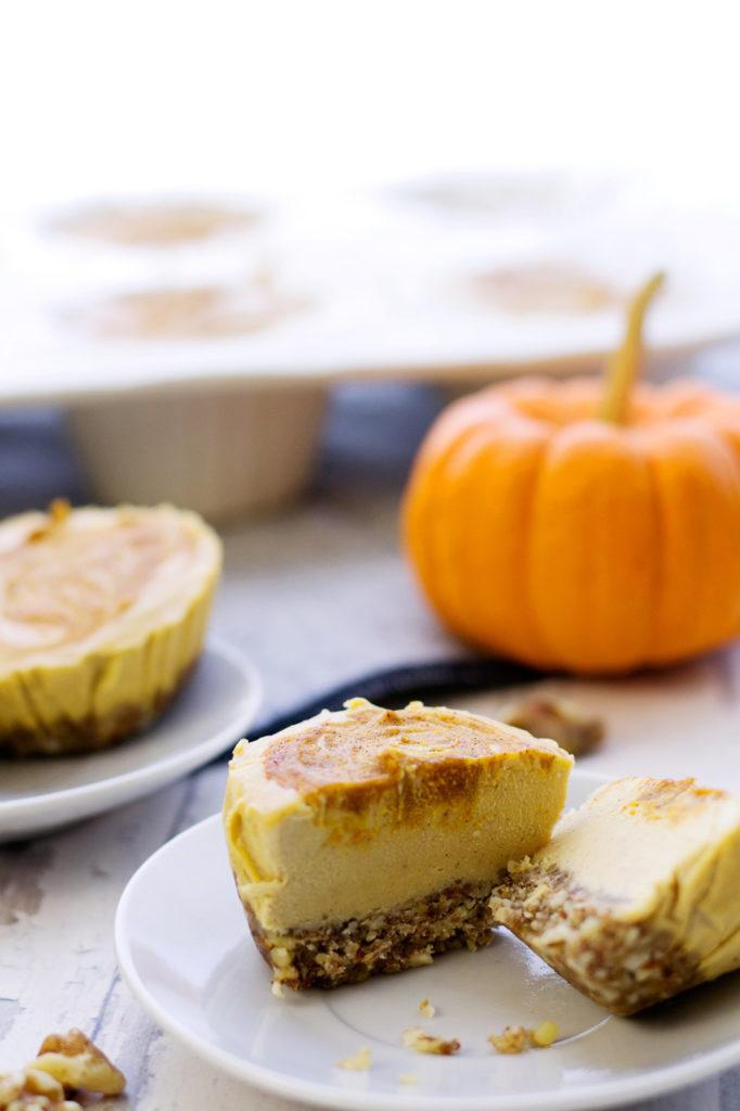 vegan cheesecake bites layers