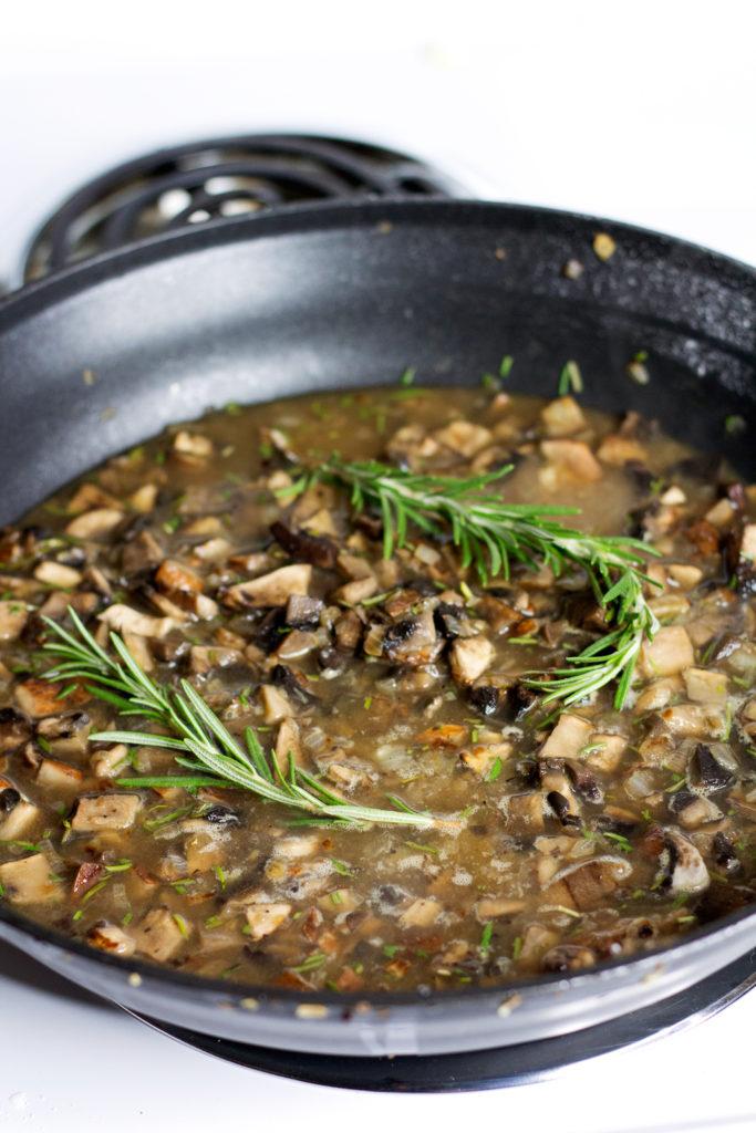 simmering homemade vegan mushroom gravy recipe