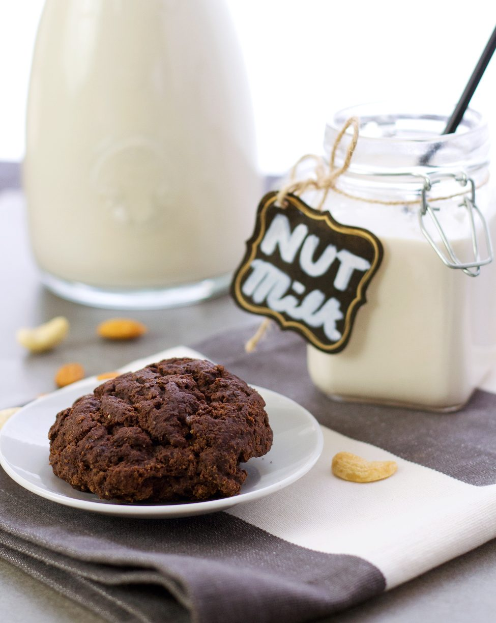 Chocolate mint scone with homemade nut milk, match made in vegan heaven!